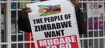 Thousands of Zimbabweans disappointed after Mugabe's refusal to resign
