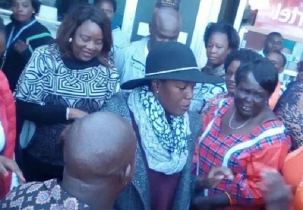 Bintiye Raila Odinga arejea nchini baada ya matibabu spesheli