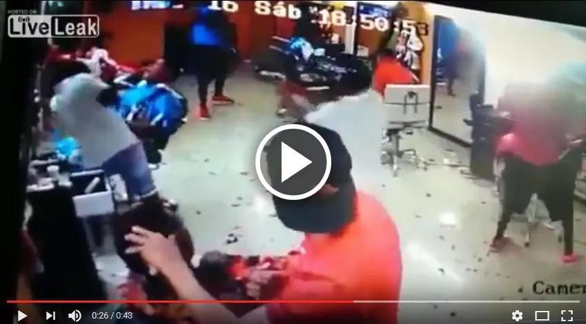 Estremecedoras imágenes de un homicidio en una peluquería