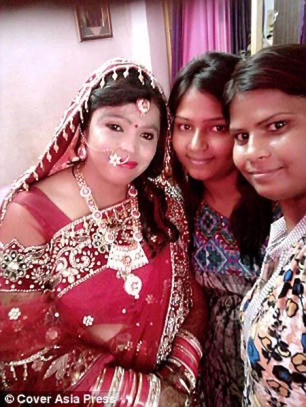 Kavita with close friends during her wedding