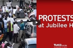 Protest at Jubilee headquarters in Nairobi (video)