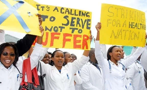 Kenyan nurses boycott work for fear of contaminating cholera.