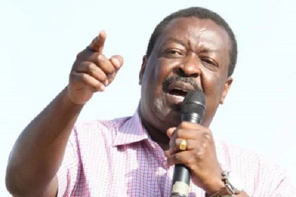 Mudavadi scolds Uhuru and Raila for 'childish' behaviour