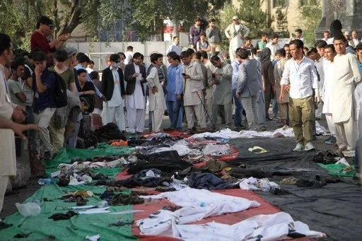 Cerca de 80 muertos tras atentado de ISIS en Afganistán