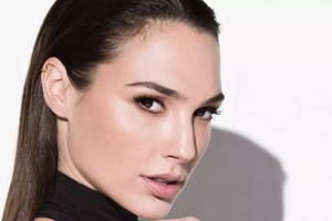 Impressive things you still might not know about the new Wonder Woman, Gal Gadot - Fantastic Four!