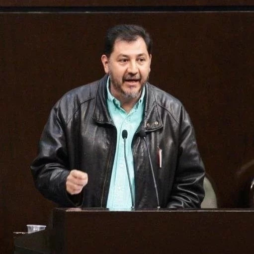 Roban y golpean a exdiputado Gerardo Fernández Noroña