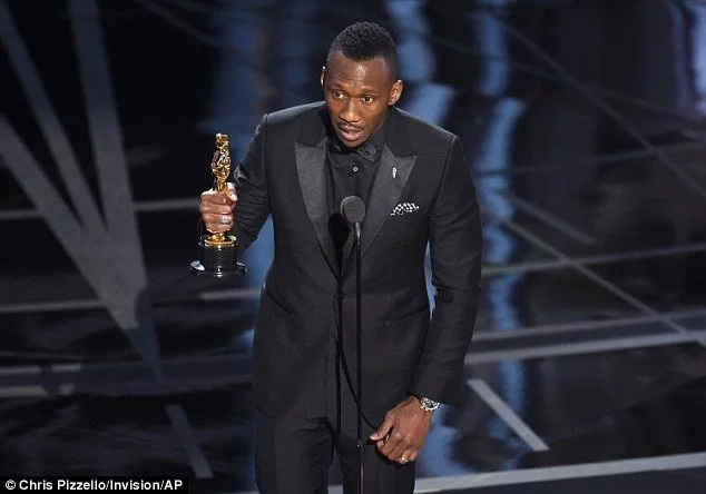 History made! See the FIRST EVER Muslim to win an acting Oscar (photos, video)