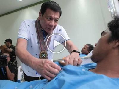 Parangalan ang matatapang! Caring Duterte awards wounded soldiers in Sulu