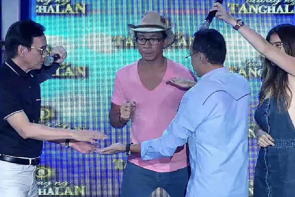 Louie Ocampo and Rey Valera enjoyed a game of Pak Ganern