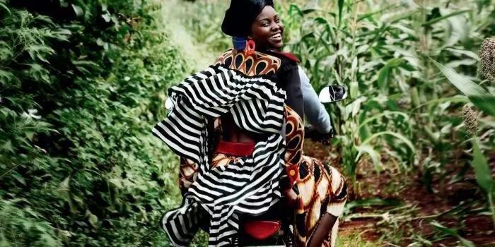 Lupita Nyong'o aonyesha fahari ya kuwa Mjaluo