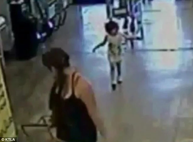 Police arrest mom who ABANDONED her daughter at shopping mall (photos, video)