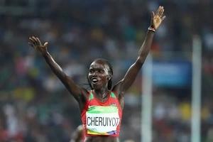 Kenya shocks Ethiopia to win gold in record time