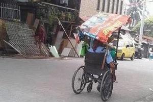 LOOK: Man with disability sells buko salad, photos went viral