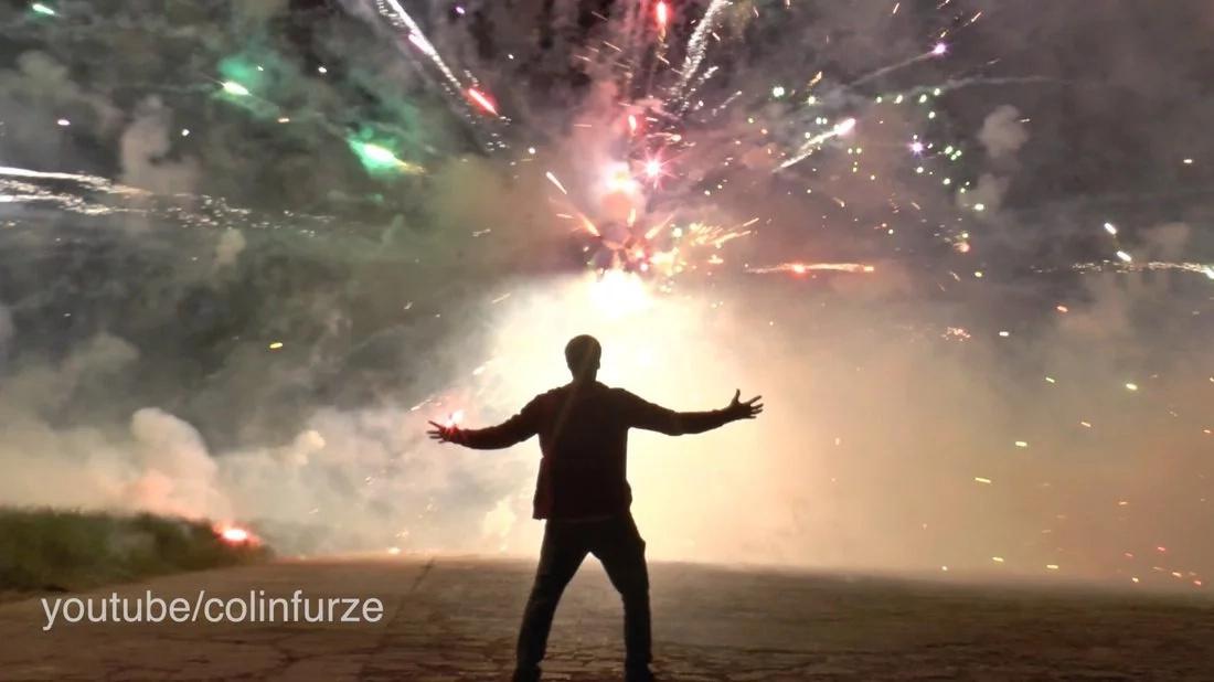 Científico loco crea estrella de la muerte para celebrar