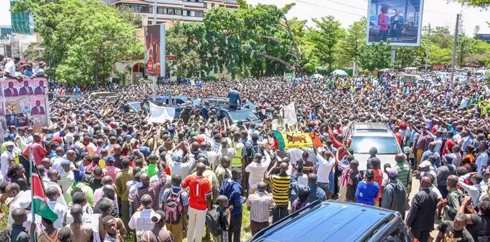President Uhuru Kenyatta receives UNEXPECTED welcome in Kisumu