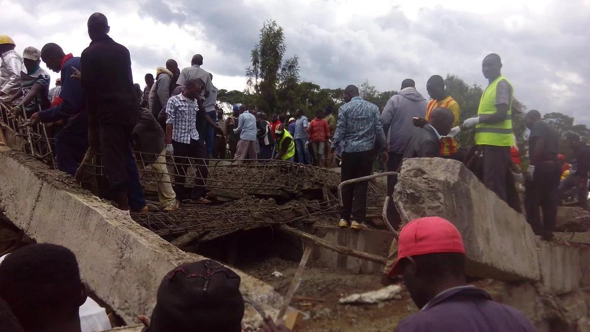 Mkasa: Watu kadhaa wakwama kwenye vifusi kufuatia jengo la ghorofa 3 kuporomoka