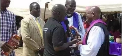 Sokomoko baada ya kasisi wa Bungoma kuwazuia wanasiasa kufanya kampeni katika mazishi