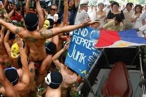 Hubaran na 'to! Enraged UP students to run naked at protest against Marcos' LNMB burial