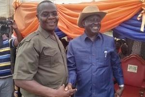 Raila afanya mkutano na Gavana Ojaamong' na Paul Otuoma