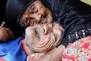 Touching! Read what this 101-year-old woman did to her 63-year-old disabled son