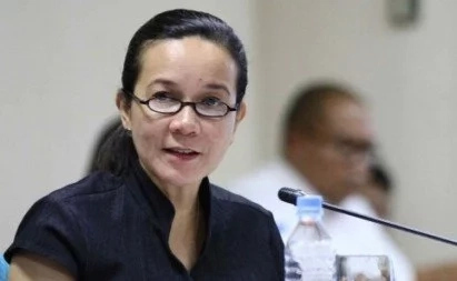 Poe vows to pass traffic measure that gives Duterte emergency powers