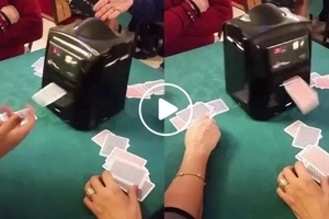 Hardcore card players, this awesome machine is just for you!