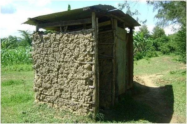 VIOJA vyazuka shuleni baada ya wazazi na wanafunzi kumfungia mwalimu mkuu ndani ya CHOO