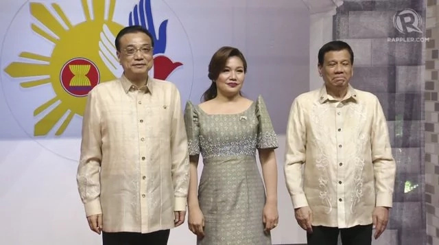 Bagay na bagay sa kanila! World Leaders proudly wear Barong Tagalog during the ASEAN Summit 2017