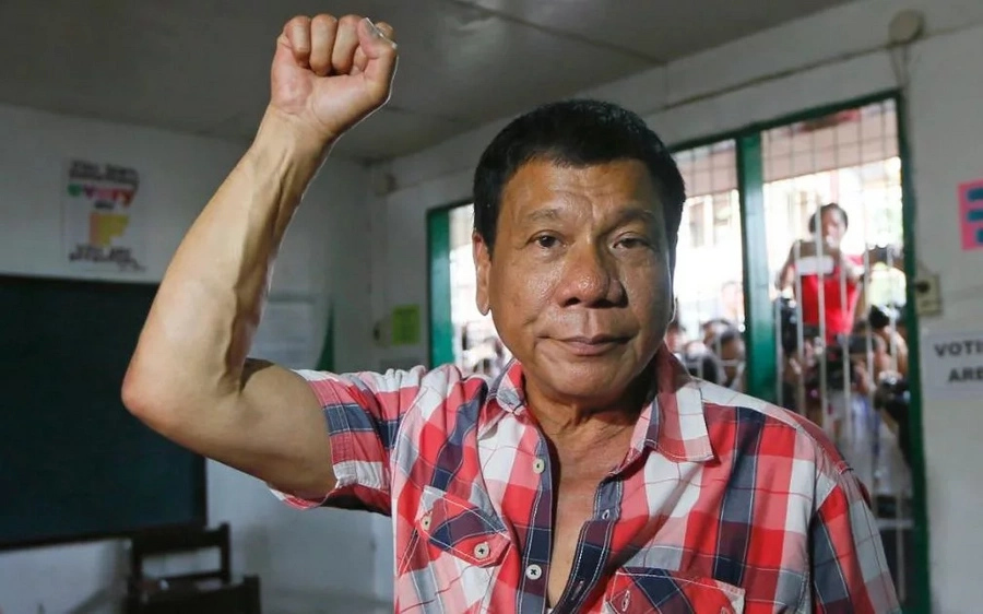 Netizens react to Duterte's meeting with the Reds