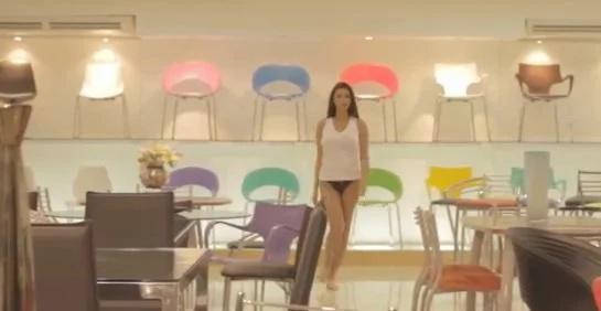 """""""Cien por ciento puro cuero"""", polémica campaña para vender muebles"""