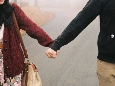 4 Signs he is not the right one for you