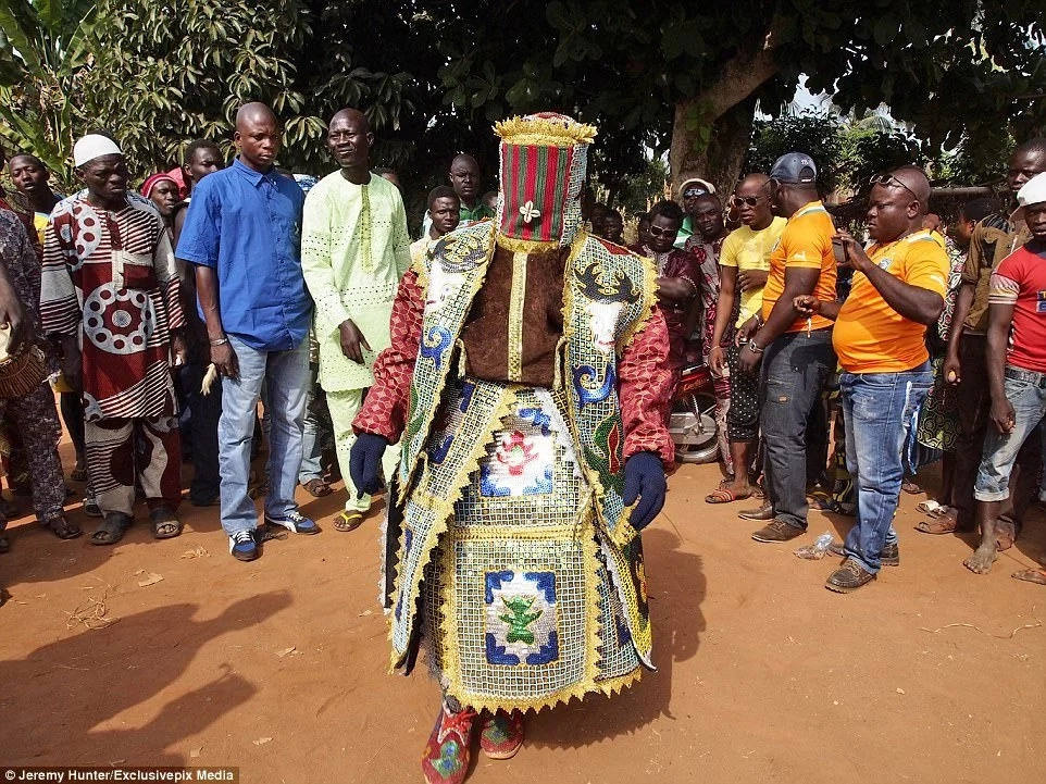 Villagers believe that if the Egungun touches a person, both he and the person will die