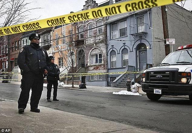 Un hombre del Bronx se tomó un selfie con la cabeza su madre después que la descuartizó