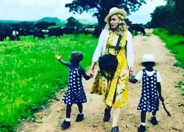 Babake mapacha waliochukuliwa na Madonna apigwa na Butwaa kuambiwa kuwa hatawaona