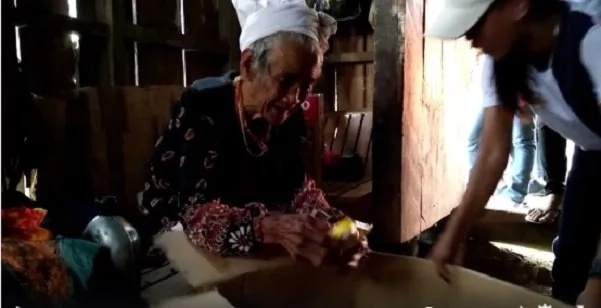Youth-group-help-97-year-old-grandma-Sabelle-apo