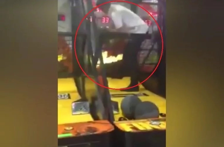 Pinoy student breaks automated basketball machine to win game