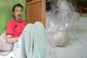WATCH: Indonesian man can lay eggs!