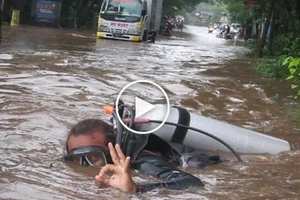 Netizen shares the only possible way to walk down Indonesian streets