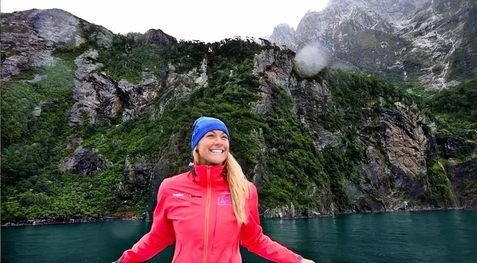 This 27-year-old woman has travelled all the countries in the world! Her journey around the world was a spectacular voyage!