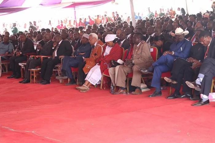 Usikimezee mate kiti changu, Uhuru amwambia Raila