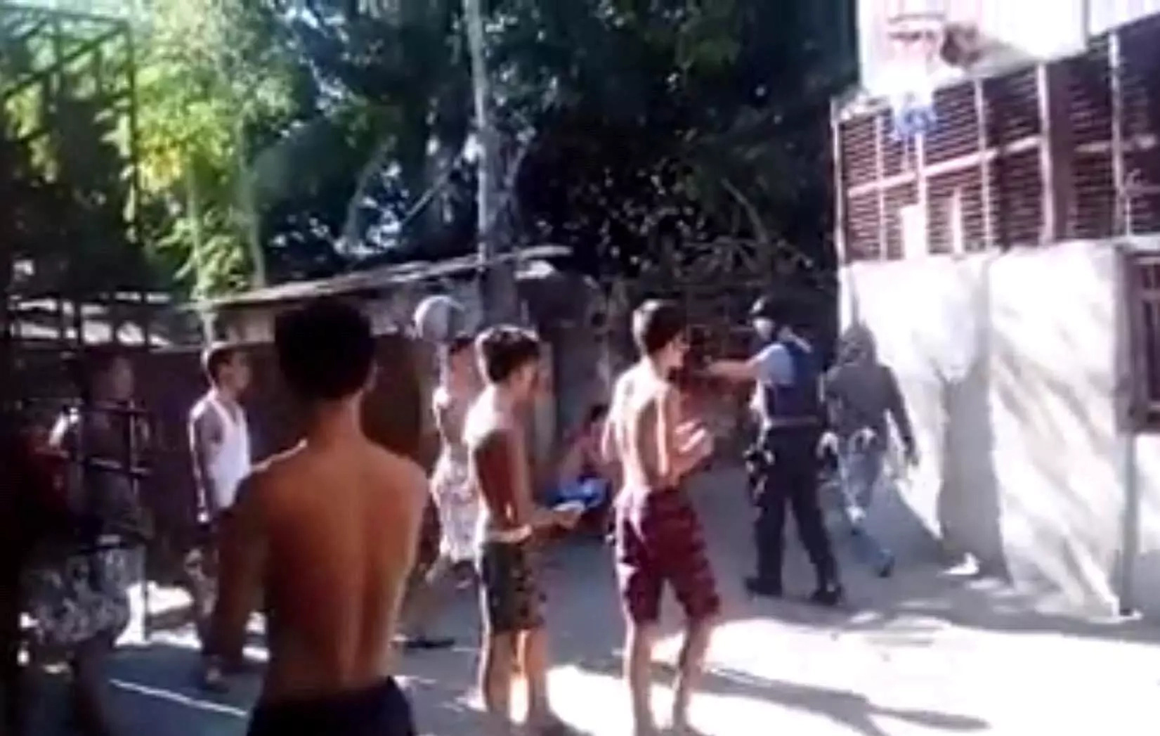 Young Pinoy basketball players recall police officers' thug life moment