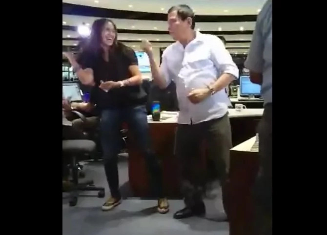 Duterte shows 'Nae Nae' dance moves