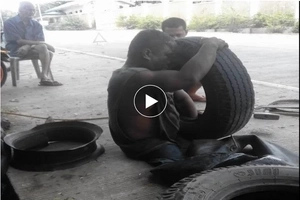 Ang sipag! Netizens inspired by hardworking man with no legs