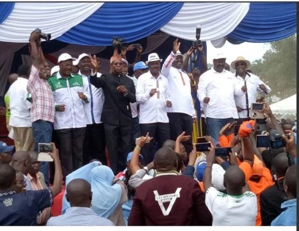 Muthama shares the stage with Kalonzo days after exiting Wiper