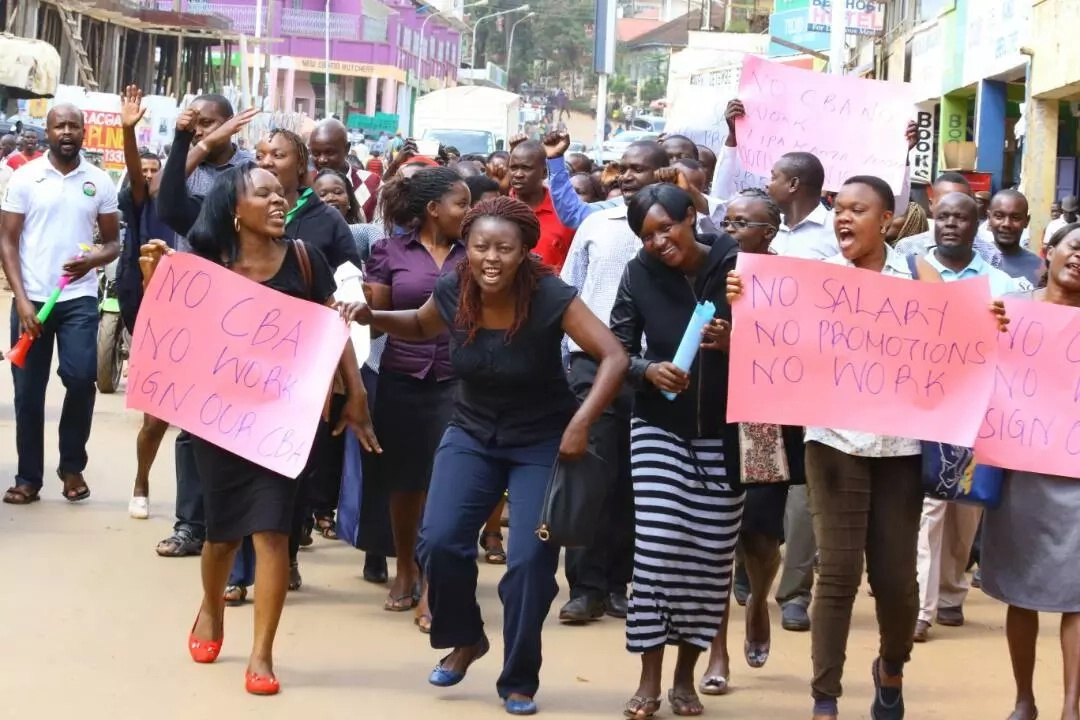 Patients chased from Kenya's second largest mental facility as nurses STRIKE bites.