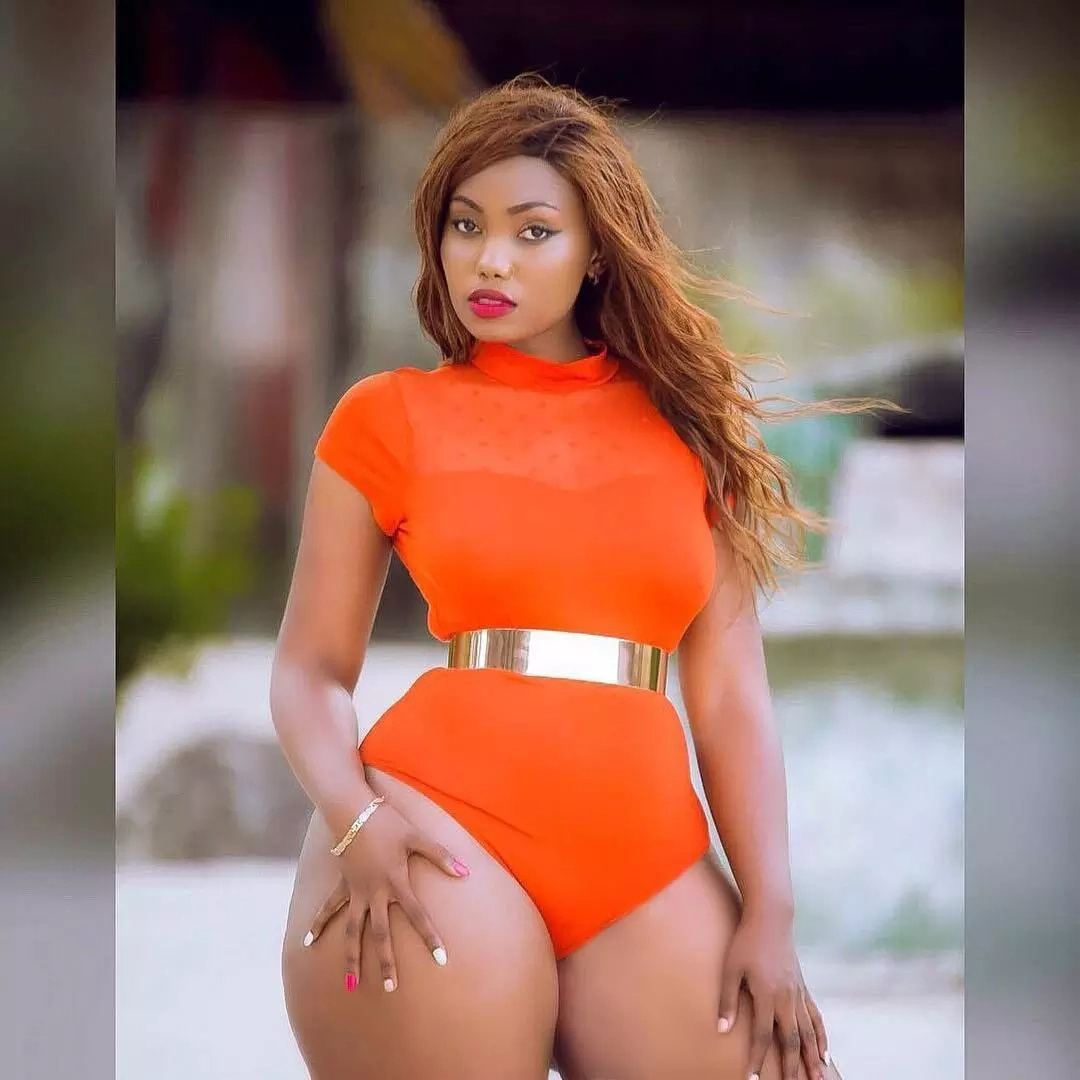 At it again! Tanzanian socialite leaves men drooling with tantalizing a*# photos at the beach