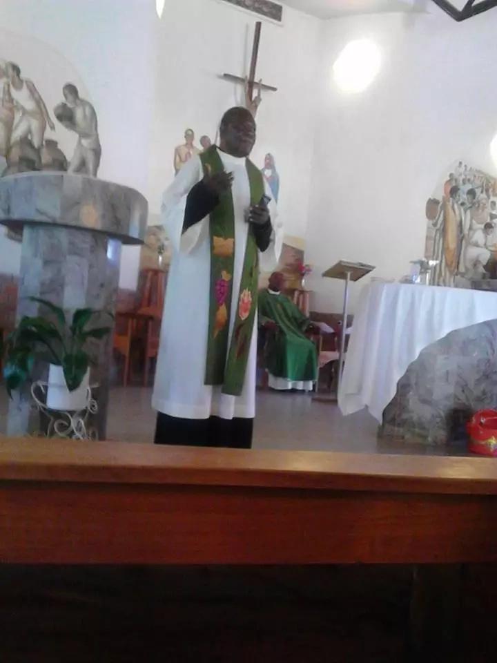 Padre wa Katoliki azimia na kufariki akiwa altareni Bungoma