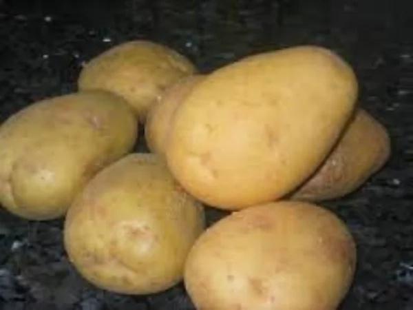 ADVERTENCIA: Si notas ESTO en tus patatas, bótalas inmediatamente. Podría salvar tu vida…