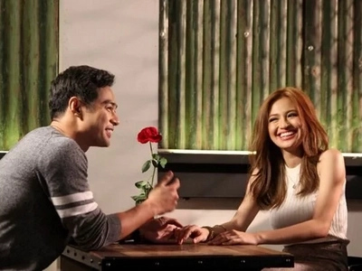 Benjamin reveals that he loves Julie Anne's lips!