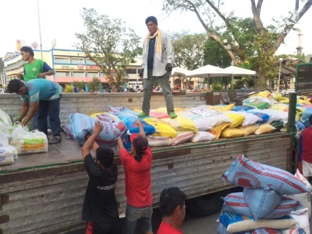 Davaoeños Donate Rice To Starving Farmers In Kidapawan